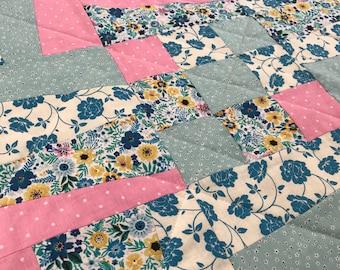 Patchwork Quilt // Patchwork // Quilt // Baby Blanket // Chair Cover // Lap Quilt // Play Mat