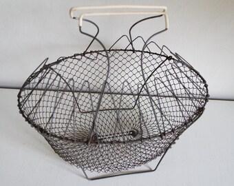 Vintage 50s metal wire salad shaker/ egg basket