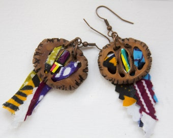 Dangling earrings - African-colored, textile with walnut shell, wax