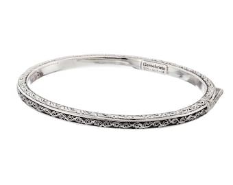 Bangle oval bracelet in sterling silver, Santorini collection