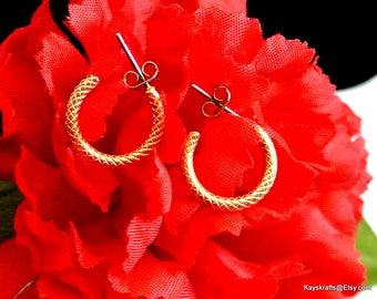 Small Gold Hoop Earrings Gold Tone Earrings Vintage Hoop Earrings Half Inch Hoops Textured Earrings