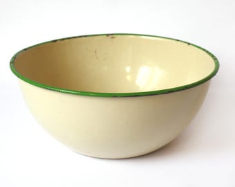 """Large Pale Yellow Enamelware Bowl with Green Rim, 9.75"""" D x 4"""" H, 1930s-1940s, Old Yellow Metal Bowl, Vintage Rustic Farmhouse Kitchen Decor"""