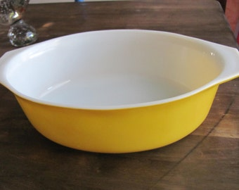 PYREX Sun flower Series Large 2 1/2 Qt #045 Orange Yellow Casserole Dish With Handles