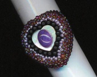 Amethyst Ring. Beadwoven Heart Ring. Statement Ring. Adjustable . Light Purple . Mother of Pearl - Purple Rlegance by enchantedbeads on Etsy