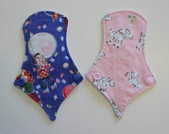 "set of two 6"" thong liners - kitschy kids & pink lambs"
