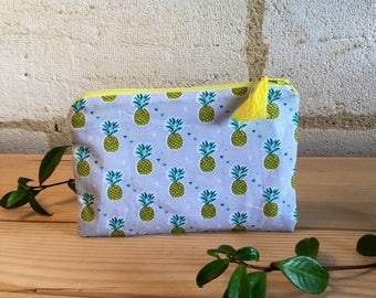 """Cosmetic pouch in cotton, """"pineapple"""", and yellow tassel. """""""