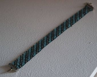 Bracelet with silver stripes
