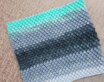 Spring bean crochet infinity scarf/cowl