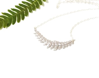 Laurel Leaf Necklace Silver Leaf Jewelry for Brides Bridesmaids Wedding Jewelry Simple Minimalist Style Branch Pendant Gift Idea for Her