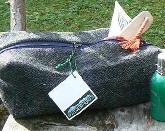 Gentleman's wash bag in lovely slate grey herringbone Harris Tweed