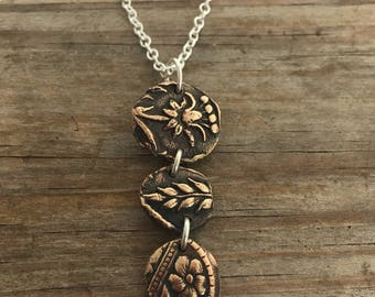 Bronze flower relic necklace