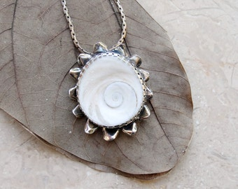 Sterling Silver Seashell Necklace Eye of Shiva Shell