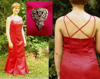 Red Hot Party Prom Dress, Mermaid Formal, Modern Size 8, Small
