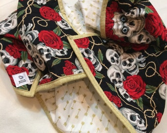 Rebel Baby Skulls & Roses, Whole Cloth Baby Quilt, Gold arrows