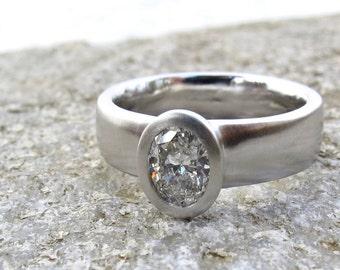 Engagement de large bande ovale diamant bague de fiançailles, platine, GIA certifié diamant, bague de profil bas, bague de fiançailles de minimaliste
