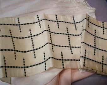 "Rare silk black/white design ribbon 5 1/4"""