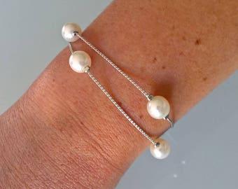 Double white pearl bracelet Pearl