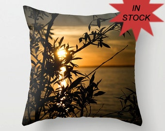 18 x 18 Sunset Photo Pillow Cover, Throw Cushion for Couch, Contemporary Decorative Bedroom Accent, Handmade in Canada, Nautical Sofa Decor