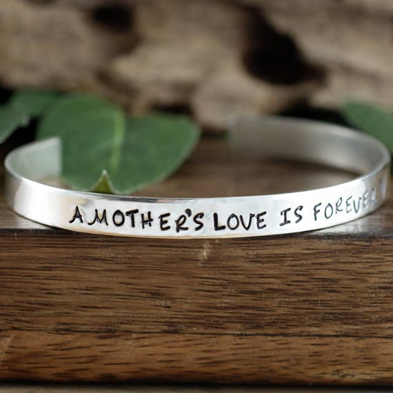 A Mother's Love is Forever Bracelet, Gift for Mom, Mother's Bracelet, Bracelet for Mom, Memorial Bracelet, Sympathy Gift, New Baby Gift