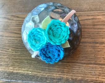 SKY BLUES// felt flower// delicate flower cluster