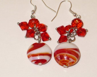 Red and white swirl glass bead earrings.