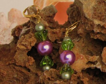 Lilac Pearl Dangle Beaded Earrings