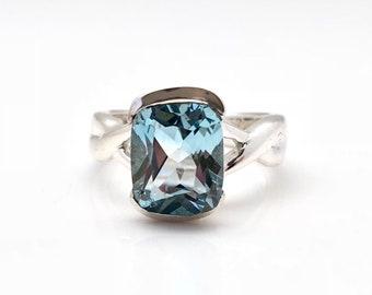 Sky Blue Topaz Ring // Blue Topaz Ring // 925 Sterling Silver Setting // Size 8