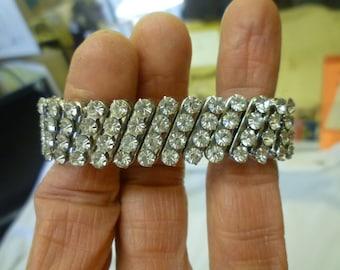 J88 Vintage Clear Rhinestones Stretch Bracelet.
