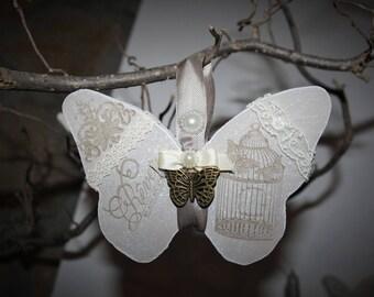 Papillon parfumé en bois a suspendre