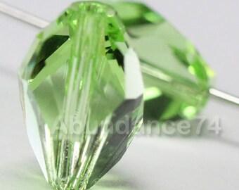 4 pcs Swarovski Elements - Swarovski Crystal 5650 12mm CUBIST - PERIDOT