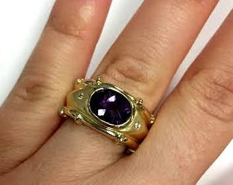 Ladies vintage Amethyst ring with small accent diamonds  14k