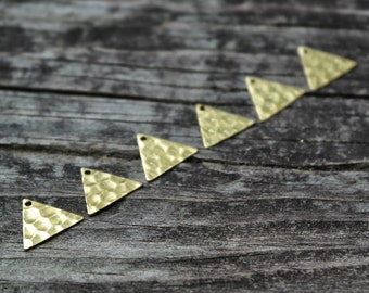 Tiny Hammered Triangle Pendant charms, 6pcs