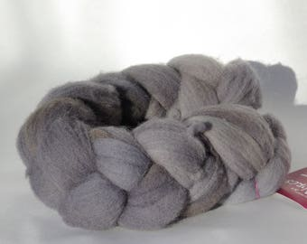 Southdown grey spinning or felting - 94g