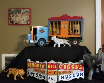 One of a kind-Ringling Brother's Barnum Bailey circus Kingdon Bro Circus Truck