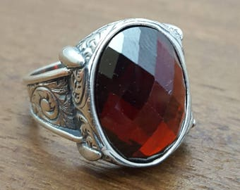 925K Sterling Silver Mens Ring With  Red Garnet  Stone