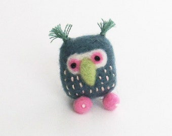 Felt owl brooch, Needle felted miniature owl pin - teal blue and pink, woodland, Easter, Spring gift