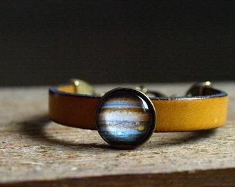 Jupiter Bracelet, Jupiter, Planet Bracelet, Leather Planet Bracelet, Solar System Bracelet, Planet Jewelry, Solar System Jewelry Glass dome