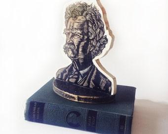 Mark Twain Bookend - Mark Twain Sculpture - Mark Twain Linocut - Author Art - Author Bookend - Literary Art - Home Decor - Writer Gift - Art