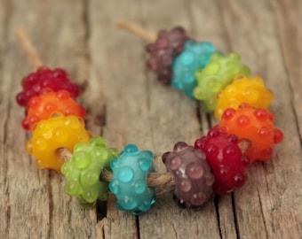 Regenbogen Bumpies - handgefertigte Glasperlen