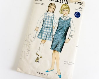 Vintage 1960s Girls Size 10 Coordinates Butterick Sewing Pattern 3232 Complete / chest 28 waist 24 / Shift Jumper, Pullover Blouse and Skirt