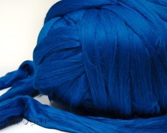 WEDGEWOOD - Merino Wool roving combed top, spinning, felting, roving - 4 oz