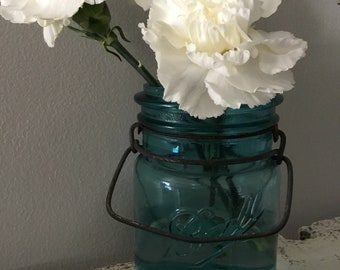 Vintage Ball Blue Pint Bail Clamp Jar~No Lid~Perfect Vase