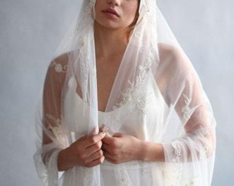 Mantilla veil - Vintage inspired, beaded Mantilla, fingertip veil - Style 637 - Ready to Ship