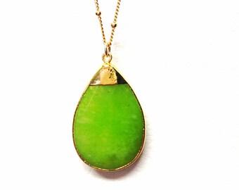 GREEN apple jade Quartzite pendant necklace