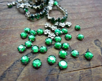 Vintage Sew On Glass Rhinestones in Metal Cup Rose Montee 4mm Green  (50) ER191