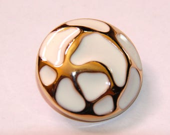 BUTTON 25MM ANTIQUE GOLD AND WHITE