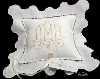 Personalized ring bearer pillow Monogram wedding ring pillow White Irish linen ring cushion Custom ring bearer pillow jfyBride Style 6289