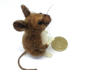 Field Mouse, Needle Felt Mouse, Mouse Ornament, Felt Mice, Needle Felted animal