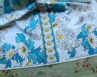 Vintage Alfred Shaheen fabric 1950 hawaiin hand print flower stripe material sewing quilt dress wiggle blue daisy hawaii mid century 1960s