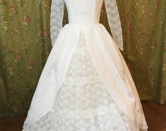 Vintage 50s 60s White Wedding Dress Southern Belle Chantilly Lace Large